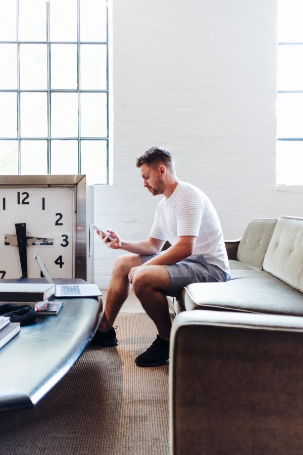 deep work : Vous envoyez et répondez à toute heure à vos emails.